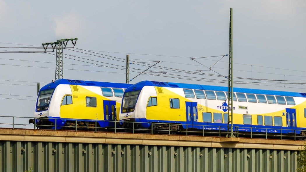 Metronom-Züge in der HafenCity in Hamburg