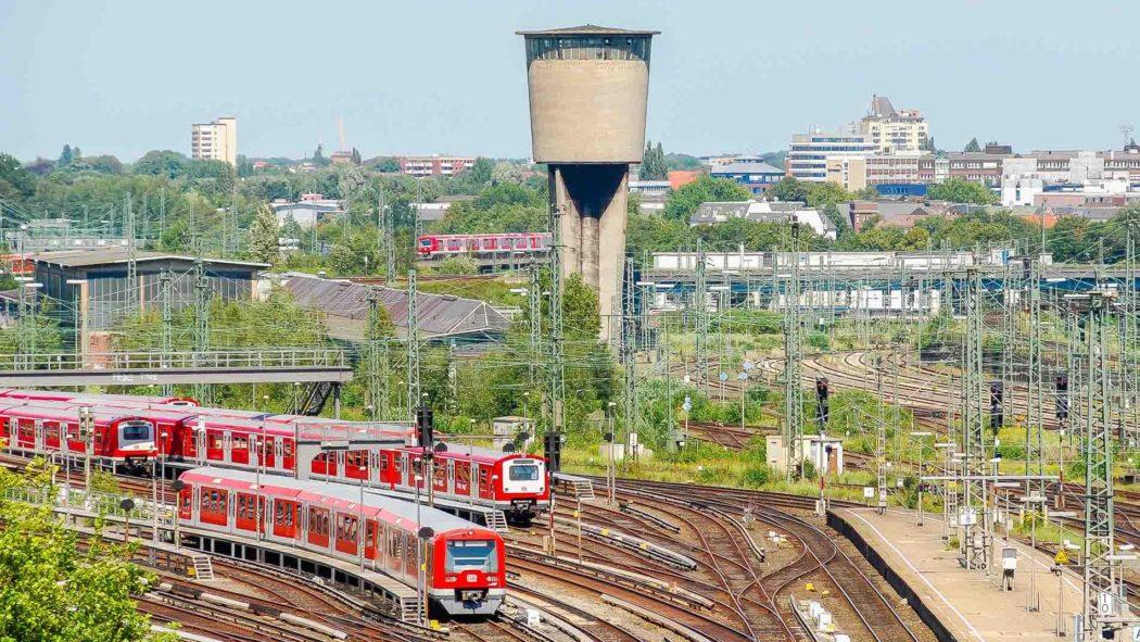 Bahnhof Hamburg-Altona: Gleisvorfeld und S-Bahnen