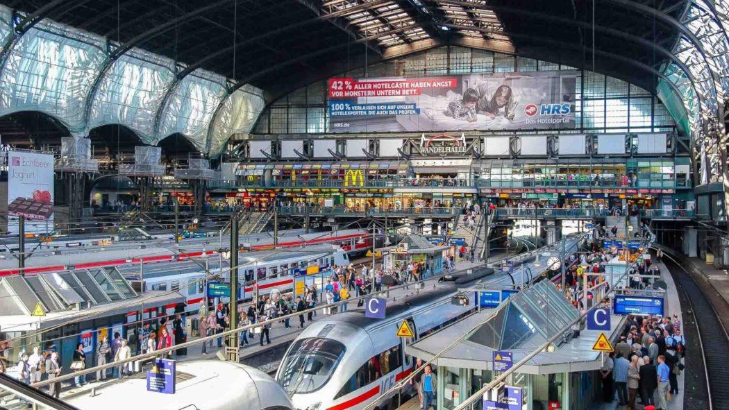 Bahnhofshalle im Hamburger Hauptbahnhof