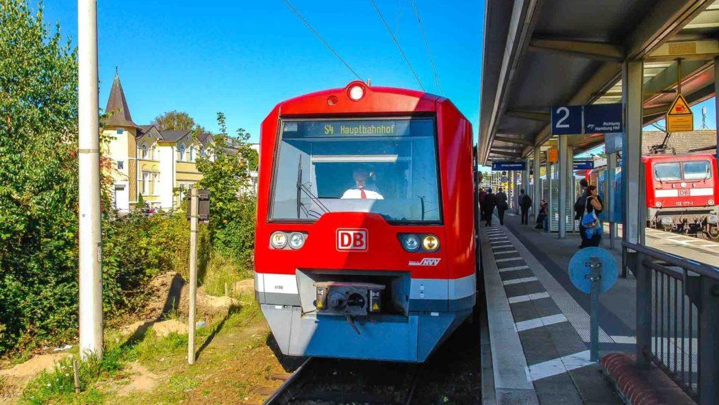 S4-Sonderzug in Hamburg-Rahlstedt