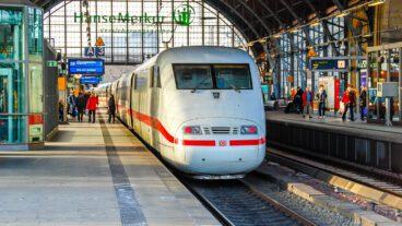 Bahn, DB, Dammtor, Fernbahn, Fernverkehr, Hamburg, ICE, Umweltverbund, Winter, Zug