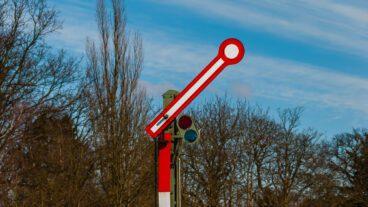 Bahn, DB, Formsignal, HVV, Hamburg, Klein Flottbek, Nahverkehr, S-Bahn, Umweltverbund, Winter, Zug, ÖPNV, Öffentlicher Nahverkehr