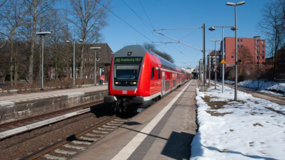 Regionalbahn in Hamburg-Hasselbrook