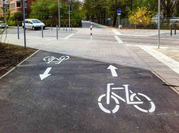 Neuer Fahrradweg in Hamburg-Wilhelmsburg