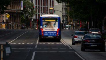 Busbeschleunigung: Metrobus auf Bus-Sonderspur am Dammtor in Hamburg