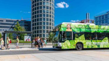 Wasserstoffbus in der HafenCity in Hamburg