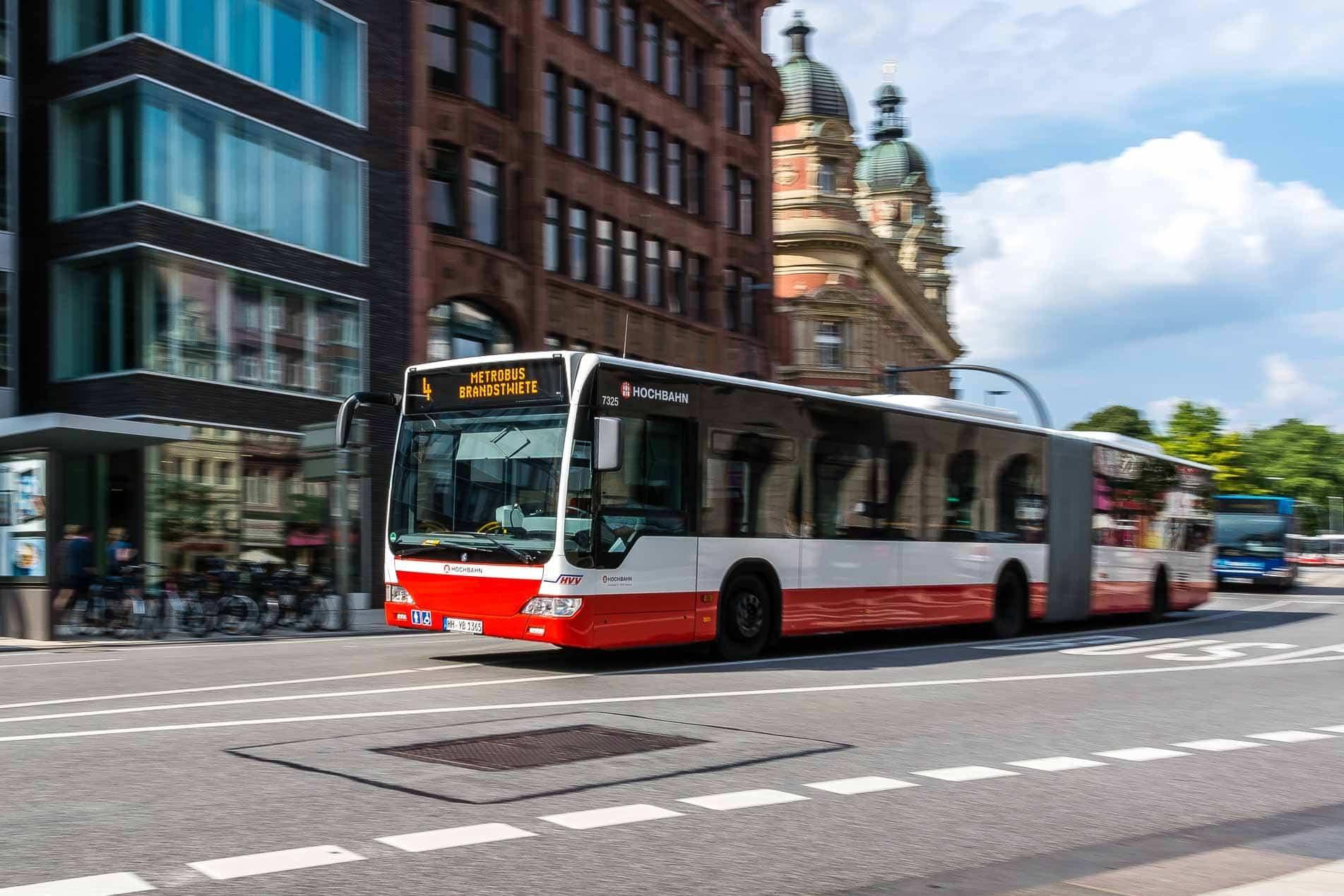 sommerferien hochbahn d nnt fahrplan auf 13 buslinien aus. Black Bedroom Furniture Sets. Home Design Ideas