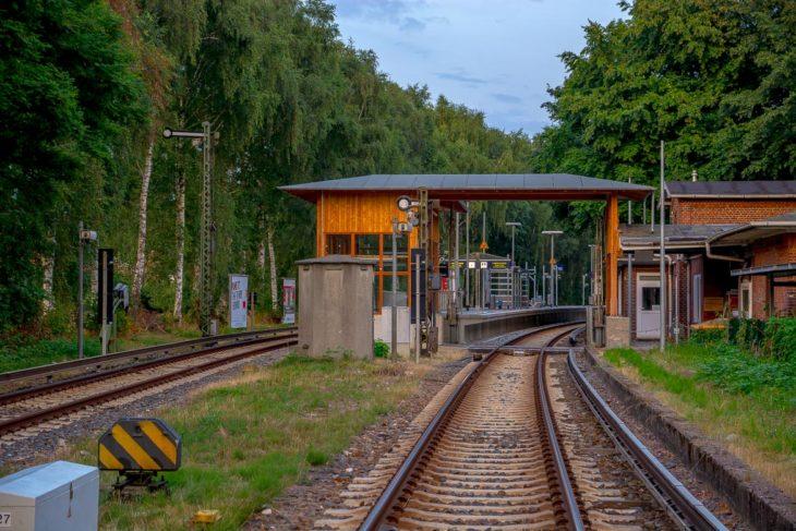 Er lief auf den Gleisen Soldat (21) von S-Bahn totgefahren