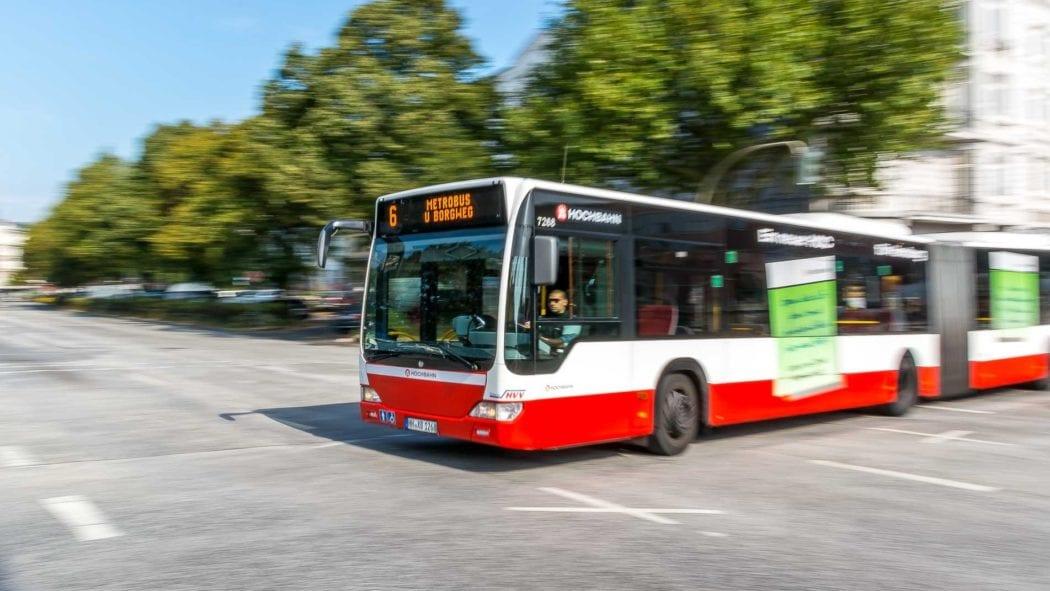 Metrobus der Linie M6 am Neuen Pferdemarkt in Hamburg