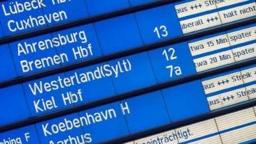 Anzeigetafel: Verspätungen und Ausfälle bei der Bahn