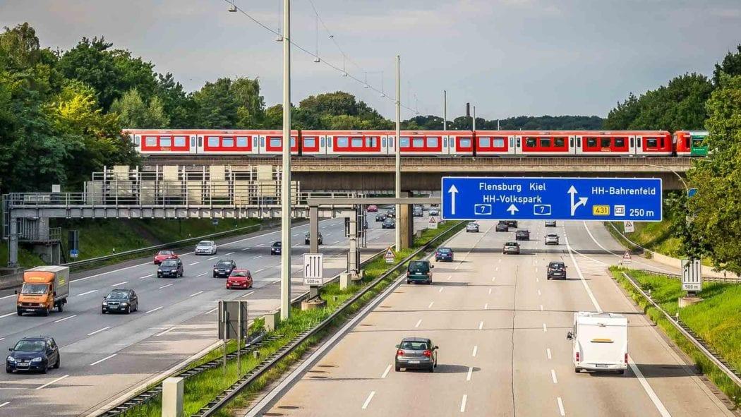 Symbolbild: Autobahn in Hamburg