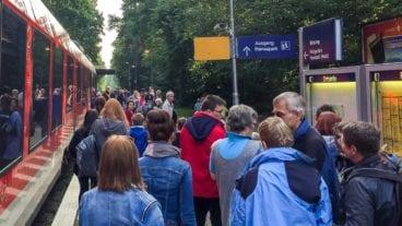 Der Ostseeort Sierksdorf und der benachbarte Hansapark sollen ihren direkten Bahnanschluss verlieren