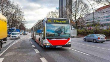Metrobus 5 am Dammtor in Hamburg