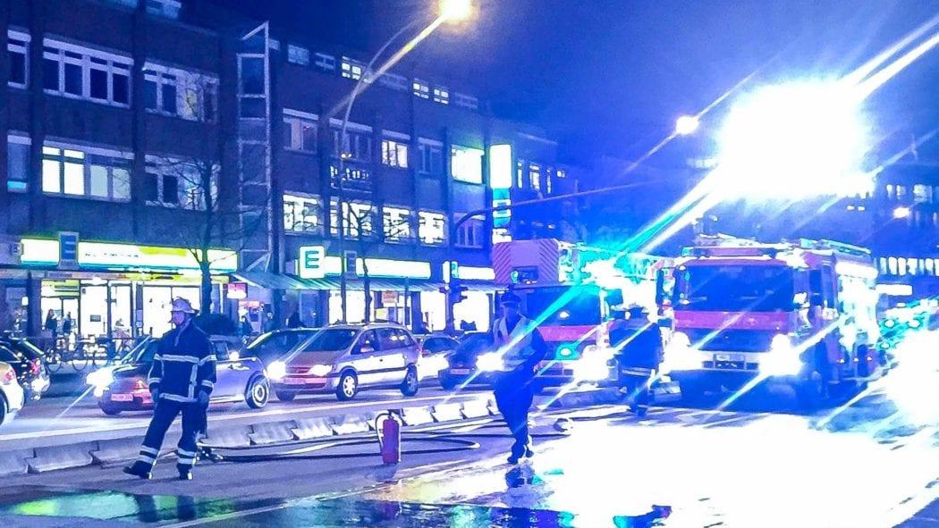 Symbolbild: Feuerwehreinsatz auf Hamburgs Straßen