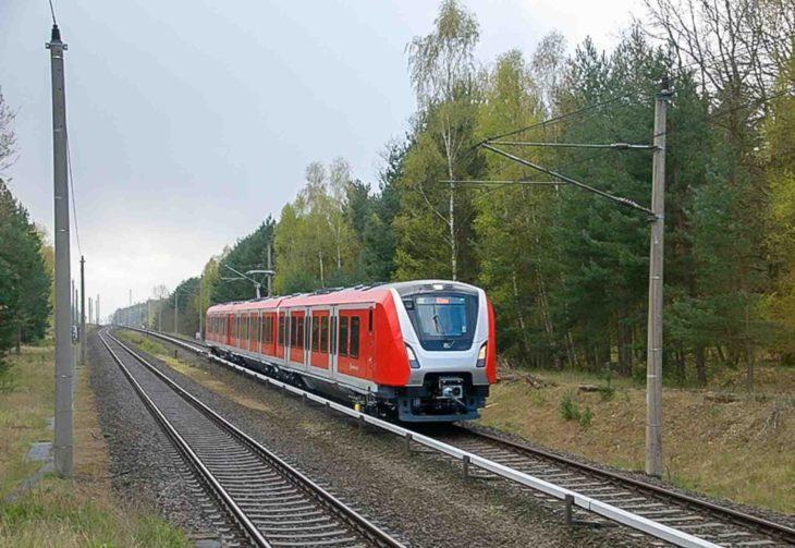 S-Bahn-Baureihe 490 auf einem Testgleis bei Berlin