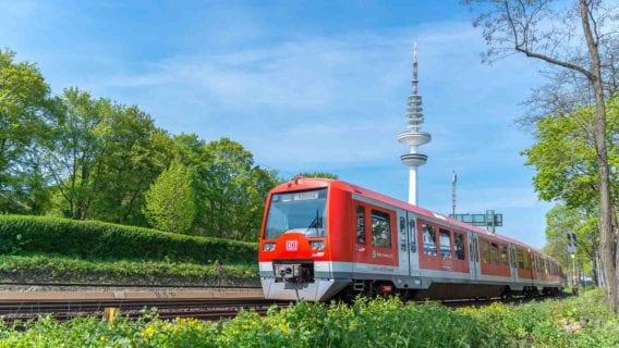 Hamburger S-Bahn am Fernsehturm