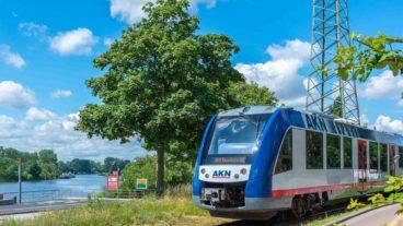 Sonderzug auf stillgelegter Bahnstrecke in Geesthacht