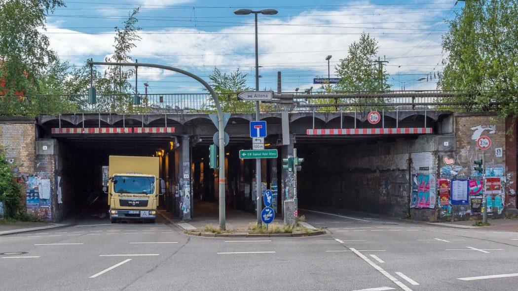 Lessingtunnel am Bahnhof Altona in Hamburg