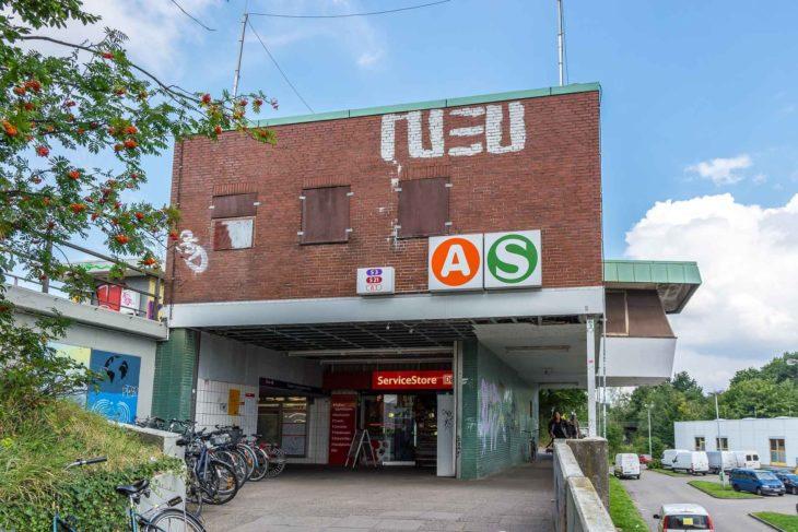 Das heutige Empfangsgebäude am S-Bahnhof Diebsteich soll dem Fernbahnhof Altona (Nord) weichen