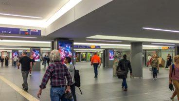 Neue Zwischenebene im Bahnhof Altona