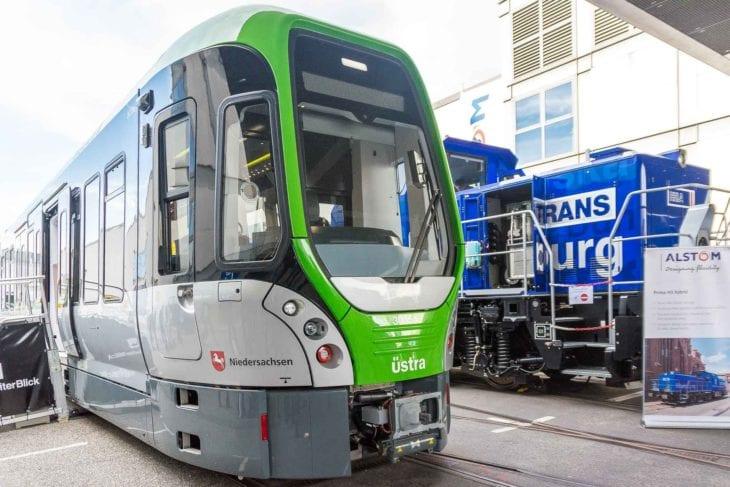 Üstra-Stadtbahn vom Typ TW3000 für Hannover