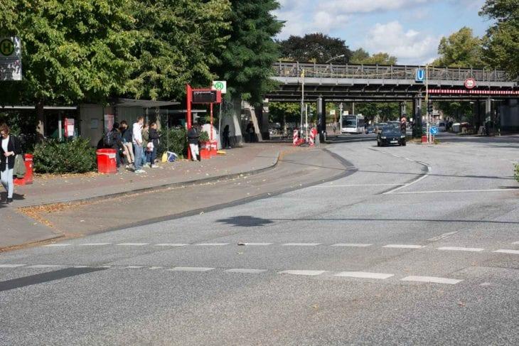 Geknickt: Diese Haltebucht soll im Zuge des Busbescheunigungsprogramms begradigt werden