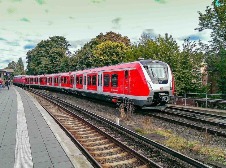 Bis Ende 2019 sollen von dieser neuen Baureihe 490 in zwei Bestellserien insgesamt 72 Züge ausgeliefert werden