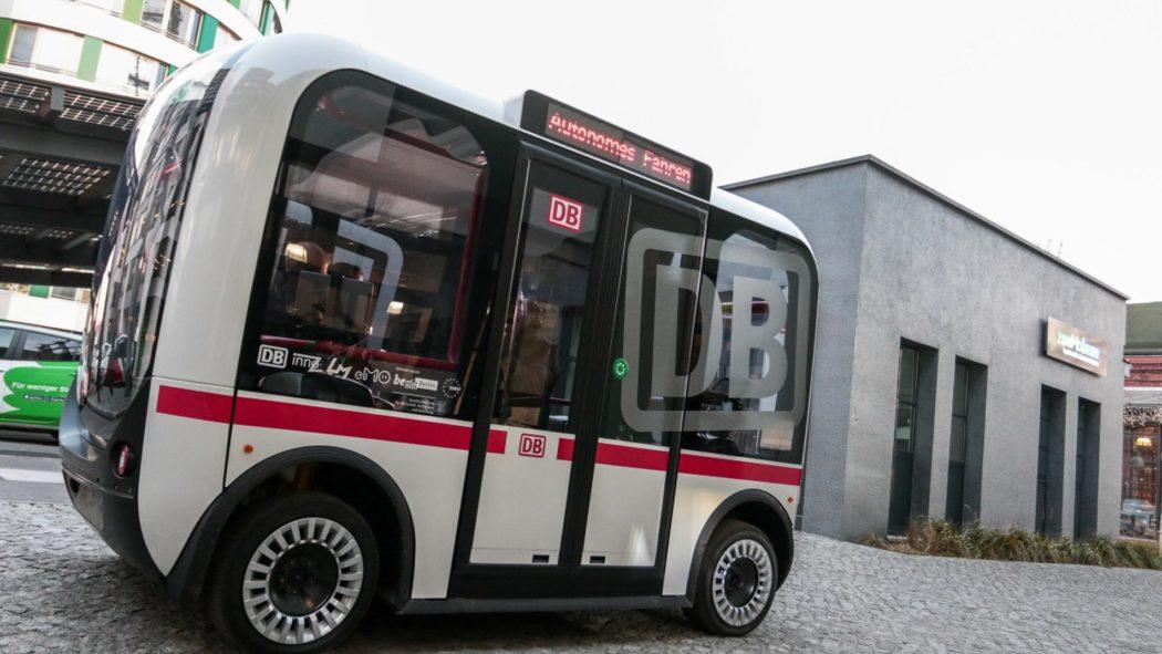 """""""Olli"""" - ein Kleinbus der Deutschen Bahn fährt bereits ohne Fahrer"""