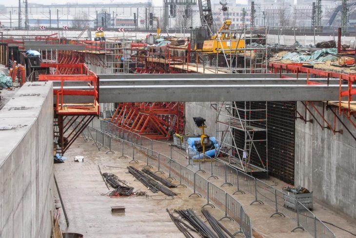 An diesem Tunnelmund kurz vor dem neuen Endbahnhof Elbbrücken kommt die U4 künftig an die Oberfläche