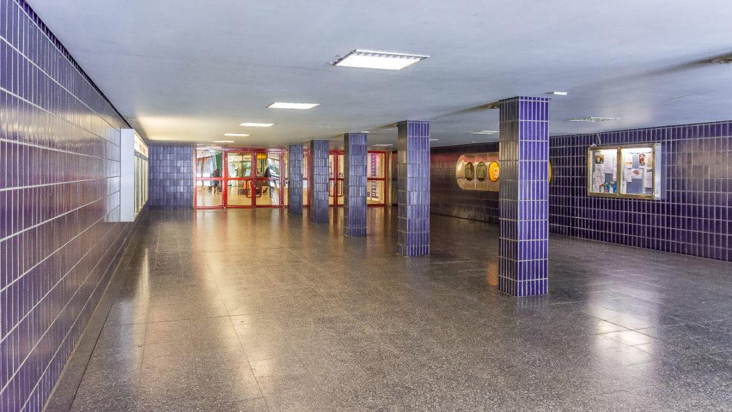 Fußgängertunnel unter der Gründgensstraße in Steilshoop. Laut Gerüchten soll dies der Zugang zu einem geheimen U-Bahnhof sein.