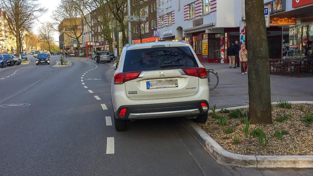 Falschparker in der Osterstraße (4.4.2017)