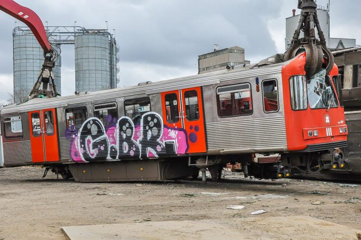 Rohe Gewalt: Dieser Hamburger U-Bahnwagen vom Typ DT3 wird nie wieder fahren