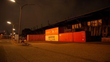 Viele Gebiete im Hamburger Hafen haben eine schlechte HVV-Anbindung. Das sollte sich mit neuen Shuttlebussen eigentlich ändern.