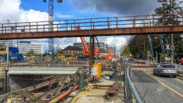 Seit Ostern führt die Bahnstrecke Hamburg - Lübeck über die neue Brücke