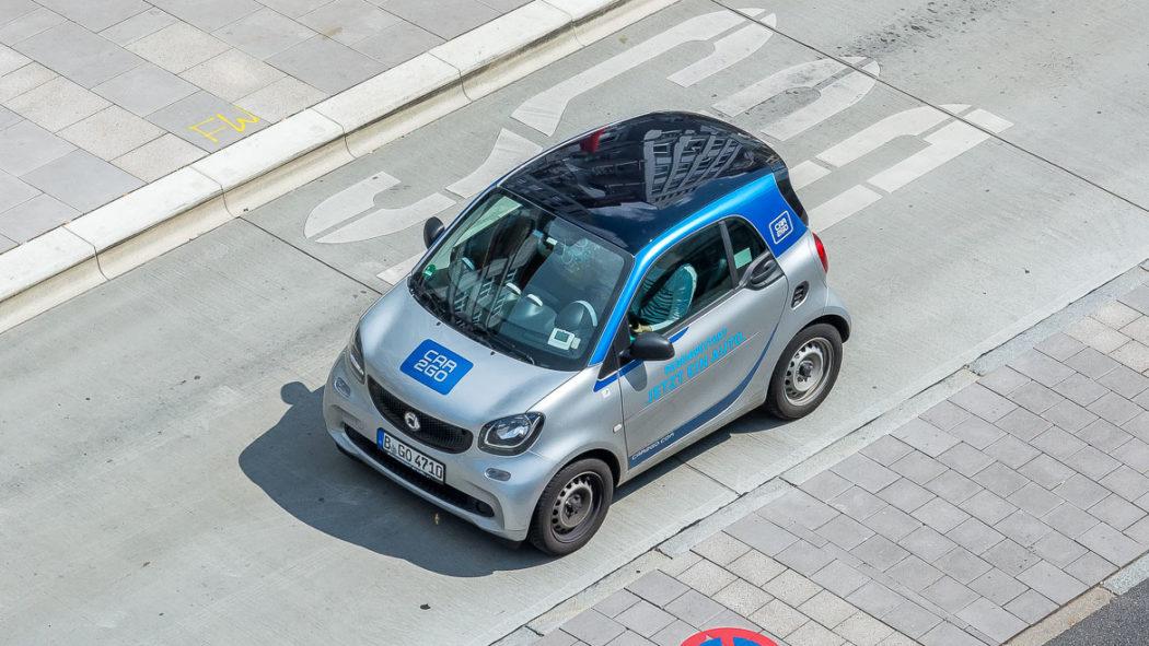 Ein Smart aus der Carsharing-Flotte von Car2go in Hamburg