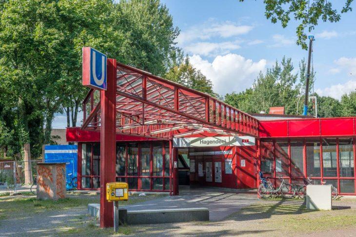 Der 1985 eröffnete U-Bahnhof Hagendeel an der U2 in Hamburg