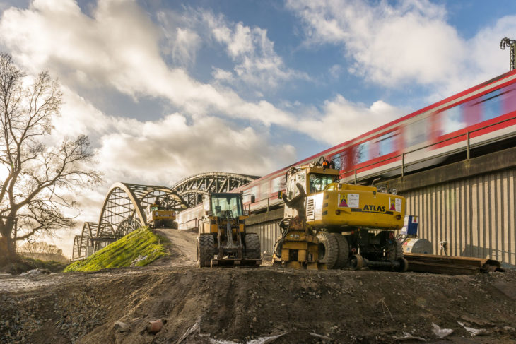 Die Bauarbeiten für den neuen S-Bahnhof Elbbrücken sind im vollen Gange: Hier soll einer der beiden Seitenbahnsteige entstehen