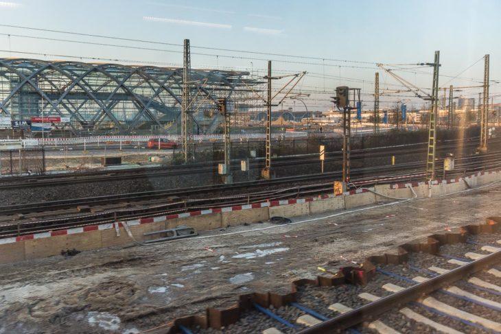 Bauarbeiten für die beiden Bahnsteige am künftigen S-Bahnhof Elbbrücken
