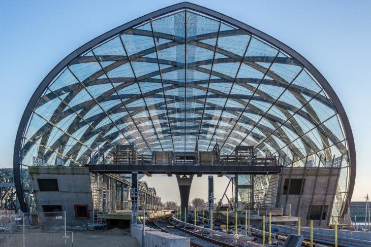 Gleise und Signale sind schon aufgebaut, aktuell läuft der Innenausbau der U-Bahnstation Elbbrücken