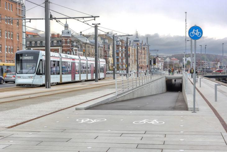 Vorbildlich: Beim Bau der Stadtbahn wurde auch gleich der Radverkehr beschleunigt und an einer Kreuzung unter die ERde verlegt