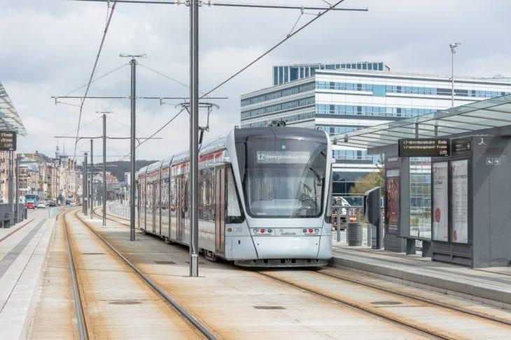 Die Stadtbahn erschließt ein neues Hafenquartier, das mit der Hamburger HafenCity vergleichbar ist