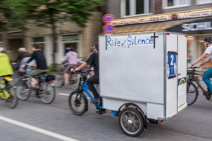 Der Ride of Silence soll an getötete Fahrradfahrer im Straßenverkehr erinnern
