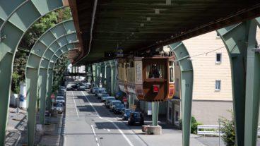Fast hätte es in Hamburg statt einer U-Bahn eine Schwebebahn gegeben, wie hier in Wuppertal.