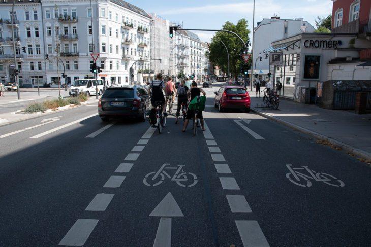 Fahrrad, Fahrradverkehr, Fahrradweg, Hamburg, Osterstraße, Rad, Radfahrer, Radfahrstreifen, Radspur, Radverkehr, Radweg, Umweltverbund