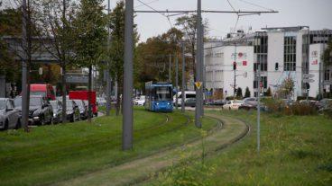 Auto, München, Rasengleis, Straßenbahn, Tramway, tram