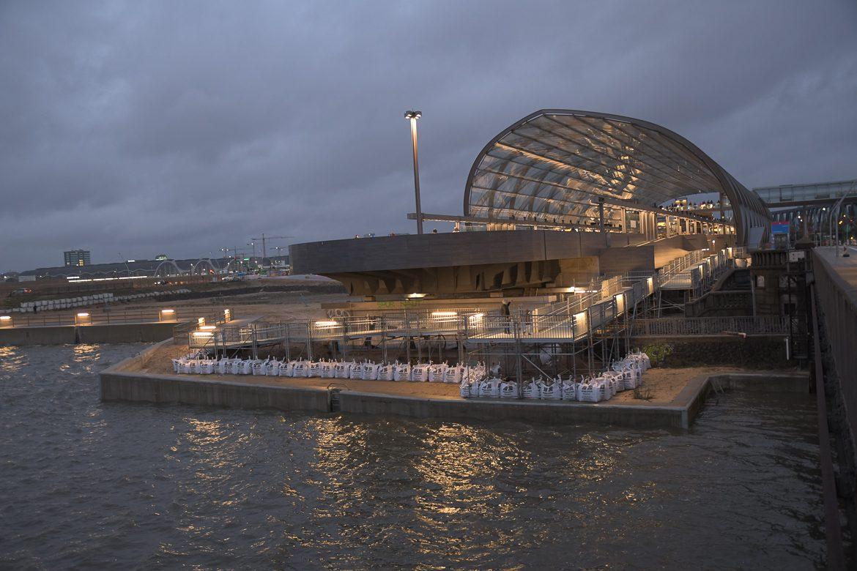 Baackenhafen, Elbbrücken, Elbe, HVV, Hafen, Hafencity, Hamburg, Hochbahn, U-Bahn, U4, Winter