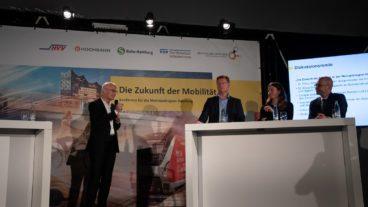 Lieferten sich einen Schlagabtausch: Hamburgs Bürgermeister Peter Tschentscher (links) und Fridays-for-future-Aktivistin Luisa Neubauer