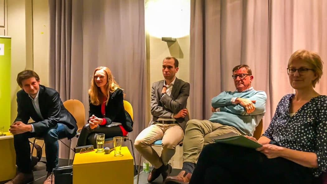VCD-Wahlarena: (v.l.) Martin Bill (GRÜNE), Dorothee Martin (SPD). Dennis Thering (CDU), Ewald Aukes (FDP) und Heike Sudmann (LINKE)