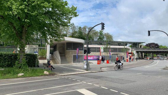 Das neue Fahrradparkhaus am U-Bahnhof Kellinghusenstraße.