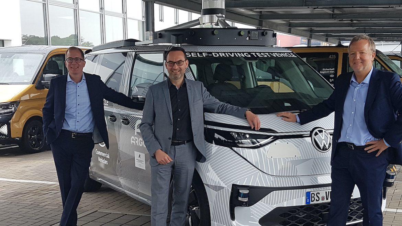 ARGO AI-Deutschlandchef Dr. Reinhard Stolle, Christian Senger, Bereichsleiter Autonomes Fahren bei der Nutzfahrzeugsparte von VW und Moia-Chef Robert Henrich (v.l.n.r.)